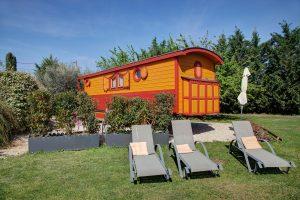 Vacances en roulotte au Mas du Grand Jonquier, pour un séjour insolite !