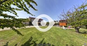 Visite virtuelle de la roulotte au Mas du Grand Jonquier