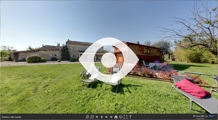 Visite virtuelle de l'extérieur de la roulotte du Mas du Grand Jonquier