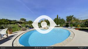 Visite virtuelle de la piscine du Mas du Grand Jonquier